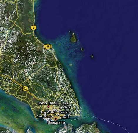 マレーシア南東部。中央上より・諸島最大の島ティオマン島