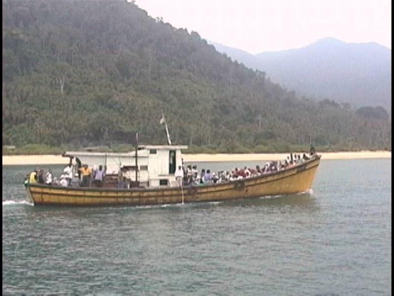 西海岸行きボート