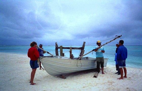 漁船、モツへの渡し、貨物船が来た時は総出で運搬船。数隻保有
