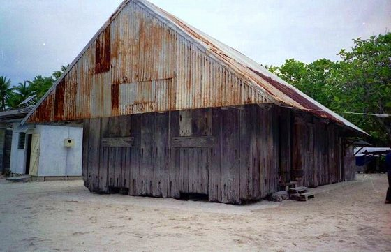 初代から残され保存されている教会、何度も避難場所になったと。